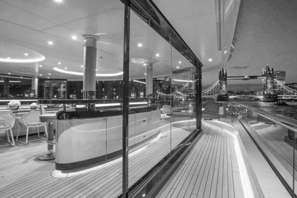 Bar yachts al porto