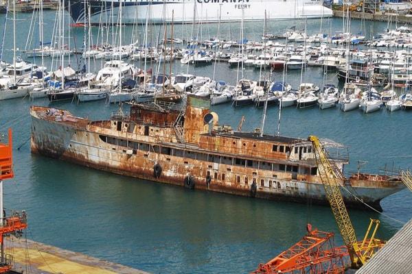 Yachts disfacimento