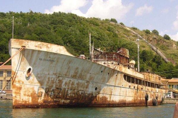 disfacimento Yachts